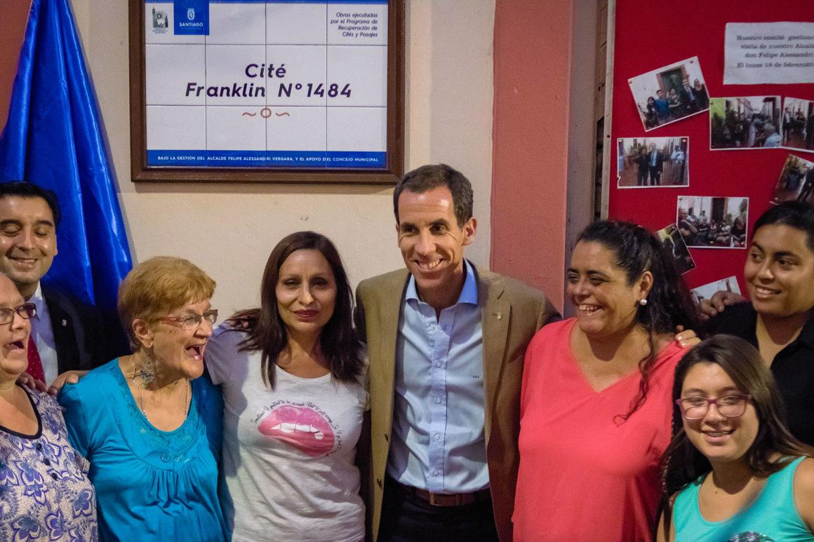Alcalde Alessandri inauguró mejoras en el cité Franklin 1484