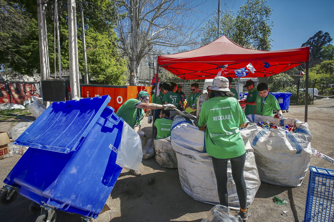 Con un total de 292 mil personas y con casi 8 toneladas de residuos reciclados se cierran las fondas del Parque O´Higgins 2019