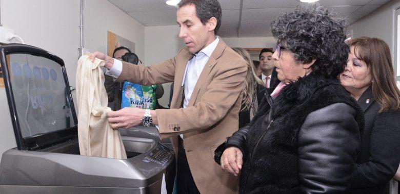 Lavandería Social Gratuita para Adultos Mayores de Santiago